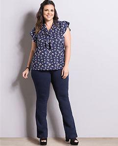 Blusa Borboletas e Calça Flare Marinho Preta Plus Size
