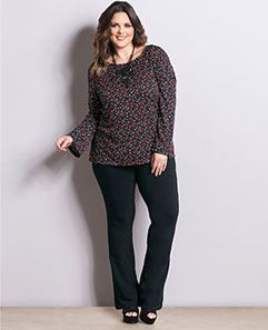Blusa Floral Liberty e Calça Flare Plus Size