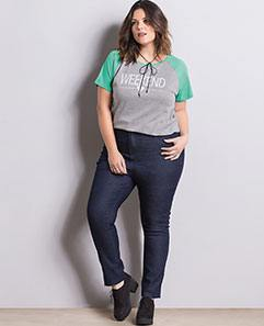 Blusa Raglan Mescla e Turquesa e Calça Jeans Reta Plus Size