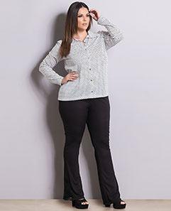 Camisa Poá e Calça Flare com Renda Plus Size