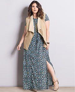 Colete Bege e Vestido Azulejo Plus Size