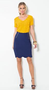 Blusa Amarela e Saia Azul